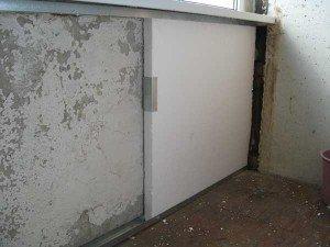 крепление пенопласта к стене балкона