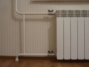 Радиаторы обогревают весь дом