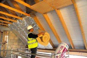 Применение стекловаты при теплоизоляции крыши