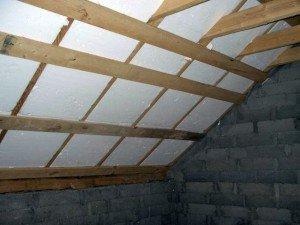Утепление крыши гаража пенопластом.