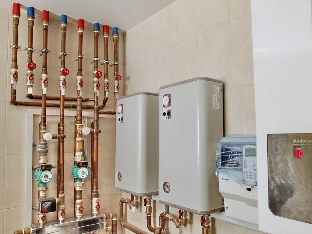Что собой представляют зависимая и независимая системы отопления