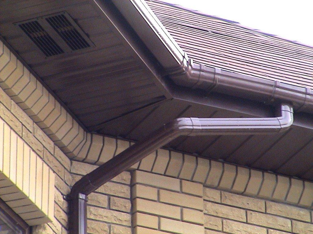 Как защитить крышу гаража от холодов