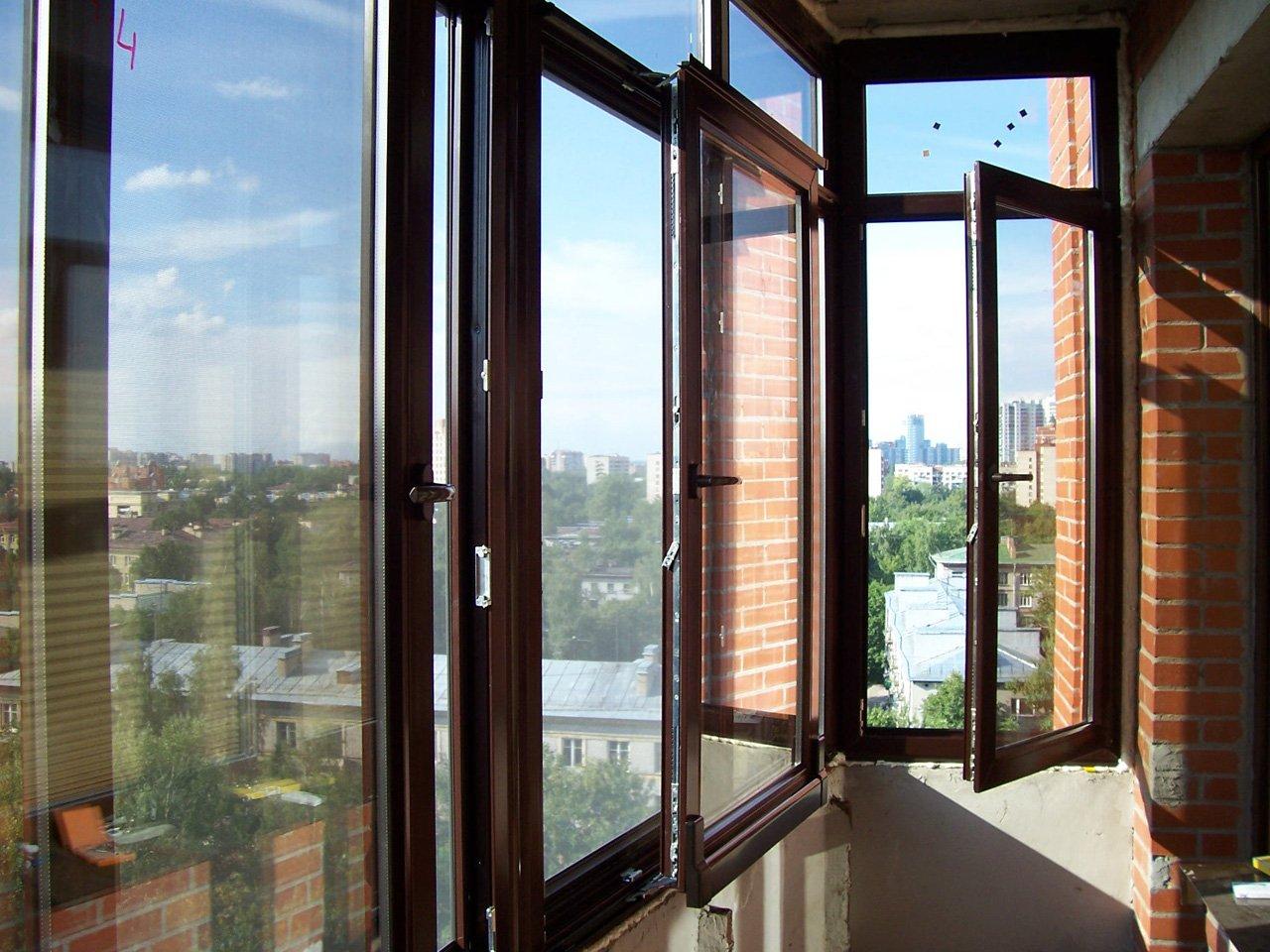 Окна из ПВХ и металлопластика: зачем и как их теплоизолировать