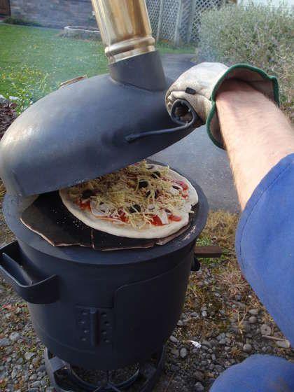 Приготовление выпечки в самодельной печи