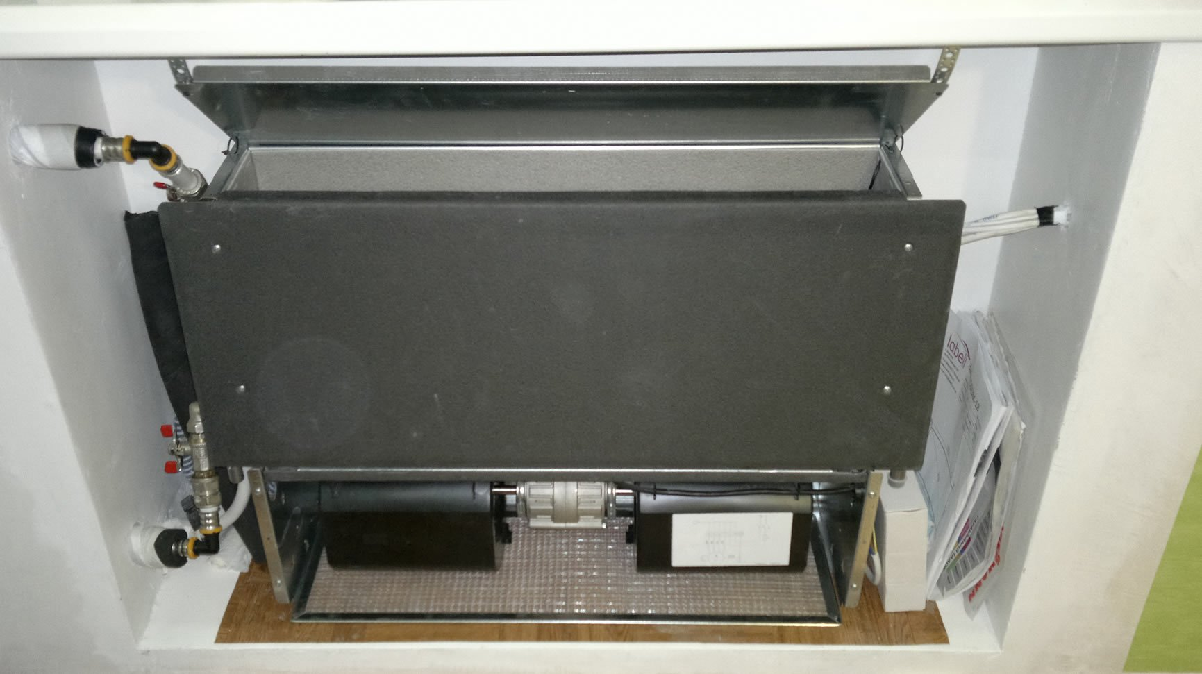 Электрическое отопление гаража: подробнее об ИК-обогревателях и системе «теплый пол»