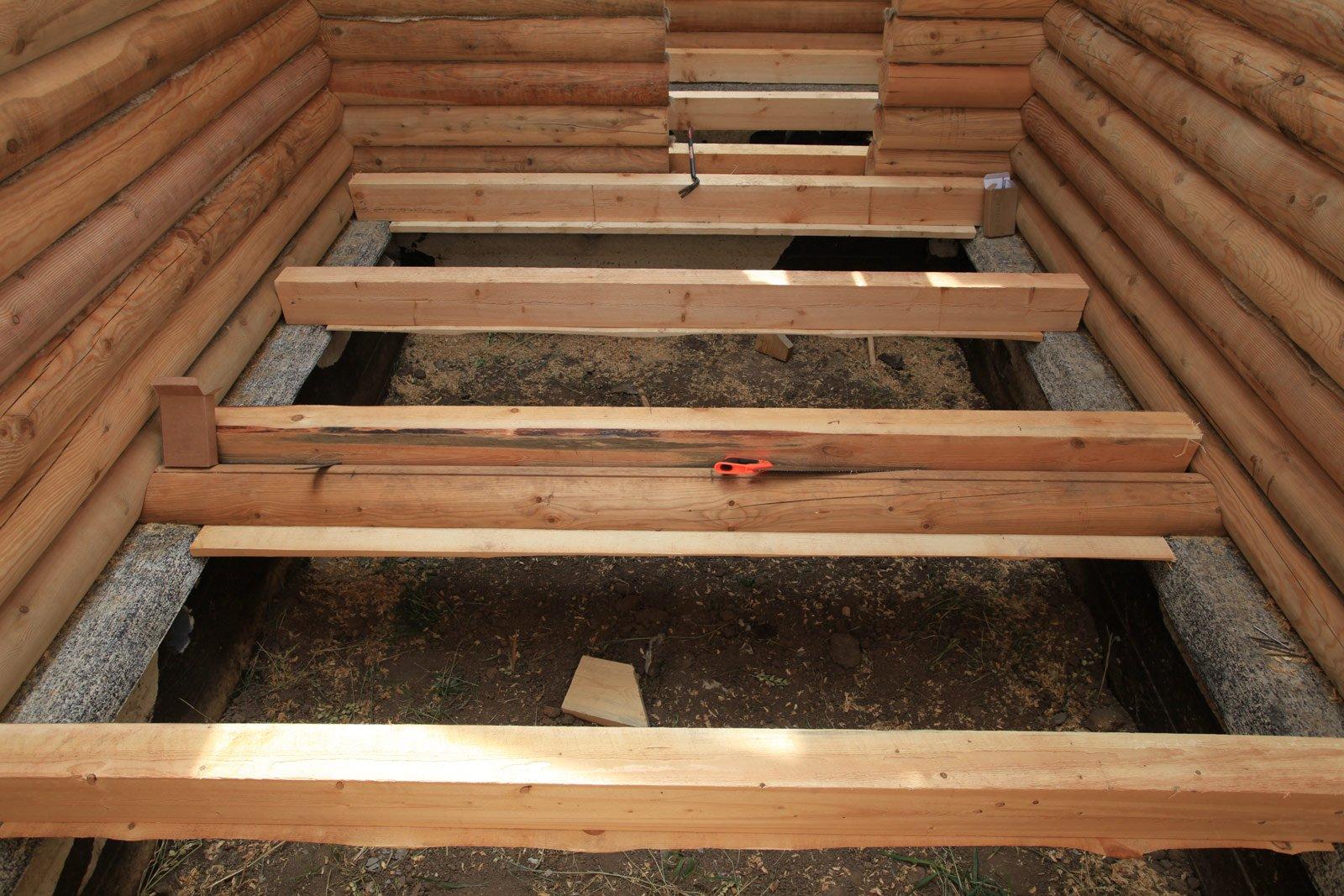 Утепляем пол первого этажа в деревянном доме