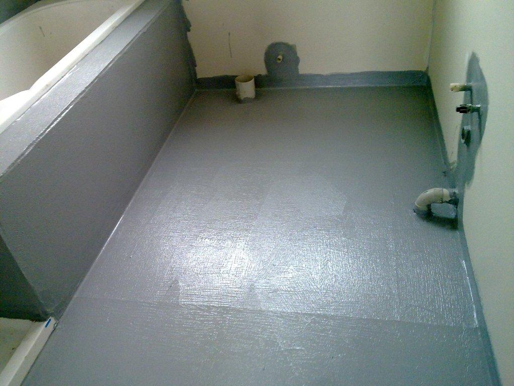 Как изолировать пол из бетона своими руками