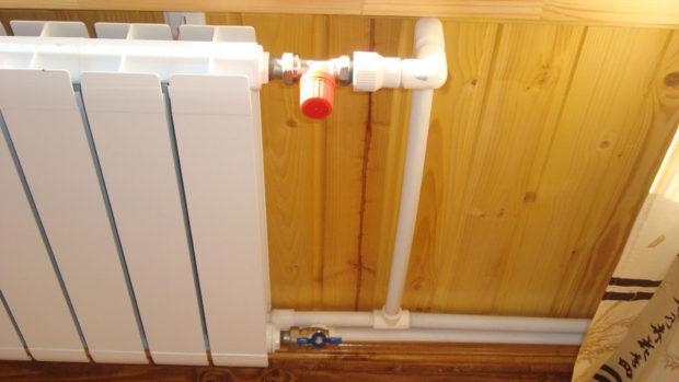 Радиатор в системе отопления дома