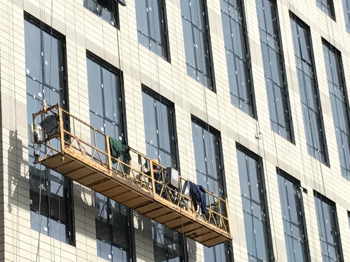 Что подразумевает собой остекление зданий