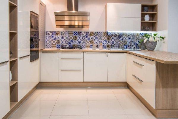 Современная мебель для кухни отличается своей функциональностью и надежностью